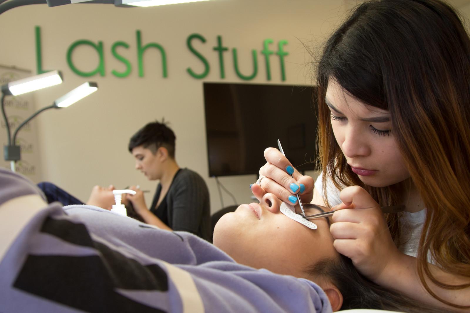 Introducing FREE Pro Eyelash Extension Training Courses ...